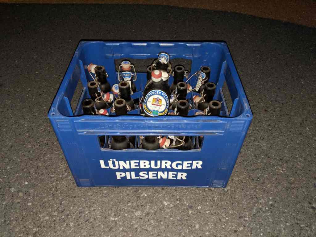 bierkasten_mit_flaschen_lueneburger_pilsener
