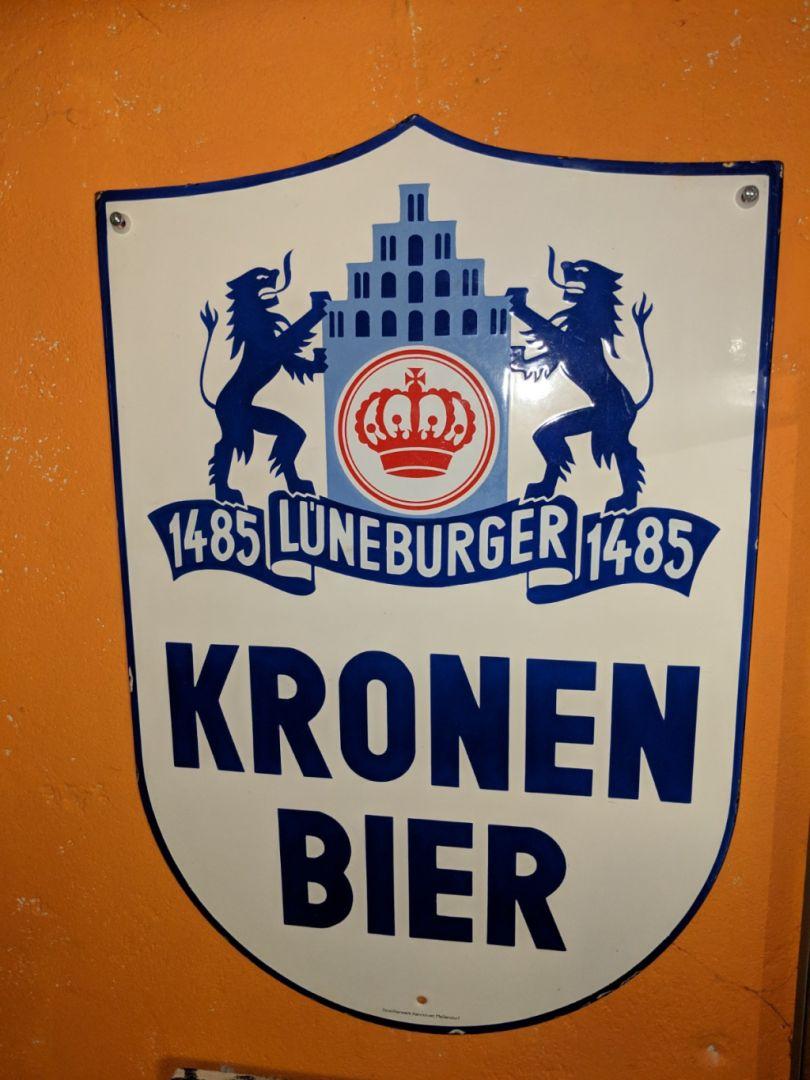 lueneburger_kronen_bier_emaille_schild_kronenbrauerei