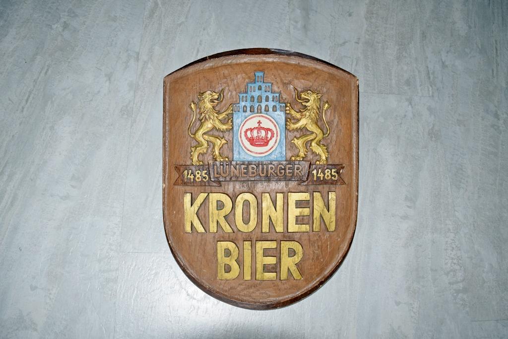 Schild Lüneburger Kronen-Bier