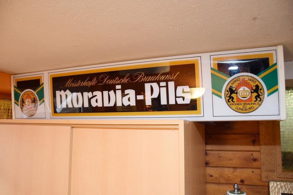 moravia-pils-tresenleuchte